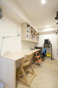 A邸 デスク&吊戸棚