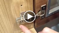 ① 扉の脱着方法